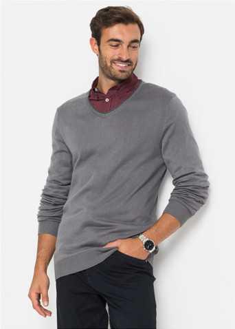 f207a69a237 Их носят исключительно с неформальной одеждой. Под джемпер можно надеть  однотонную или клетчатую рубашку.