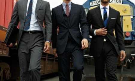 aeab4797206 Правильное сочетание цветов в мужской одежде — верный признак хорошего  вкуса. Для того чтобы выбрать цвет мужского костюма обратимся к советам  экспертов