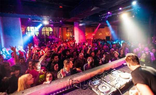 Ночные клубы в москве с танцполом спартак москва сайт хоккейного клуба